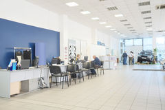 Free Second-hand Cars In Dealer S Showroom Stock Images - 60014424