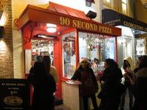 Secondo ristorante della pizza 90 alla notte fotografia stock