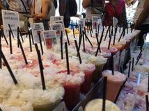 Secousse de fruits dans le marché de bucaria de La Images libres de droits
