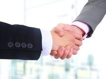 Secousse de main d'hommes d'affaires Image libre de droits