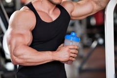 Secousse de protéine de Bodybuilder Images libres de droits