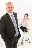 Secrétaire aîné professionnel de bureau d'homme d'affaires Image stock