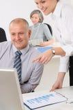 Secrétaire mûr professionnel de bureau d'homme d'affaires Image stock