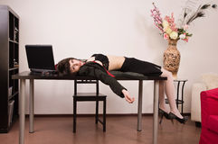 Secretária sem-vida em um escritório Fotografia de Stock