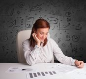 Secretaresse met krabbel multitask concept royalty-vrije stock foto's