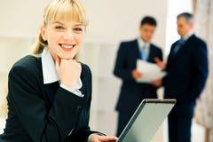 Secretaresse op het werk Royalty-vrije Stock Foto