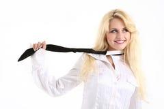 Secretaria atractiva con la corbata Fotos de archivo libres de regalías