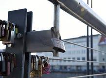 Secrets et amour verrouillés loin Image stock