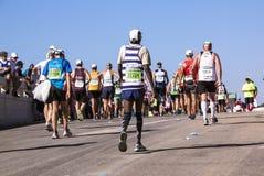 Sectators和赛跑者在Marathon同志在德班8 库存图片