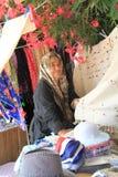 Secteur égéen - rues de château, de Behramkale d'Assos, vendeurs et boutiques de cadeaux Image libre de droits