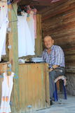 Secteur égéen - rues de château, de Behramkale d'Assos, vendeurs et boutiques de cadeaux Photographie stock libre de droits