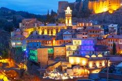 Secteur d'Abanotubani la nuit, Tbilisi, la Géorgie Images stock