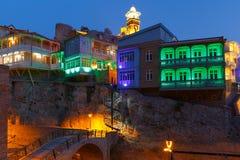Secteur d'Abanotubani la nuit, Tbilisi, la Géorgie Photos stock