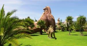 Secteur de dinosaure de Bogota Jaime Duque Park banque de vidéos