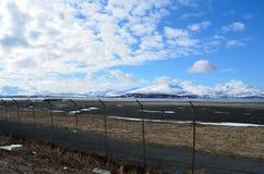 Secteur de langnes d'aéroport de Tromsoe avec la piste Images stock