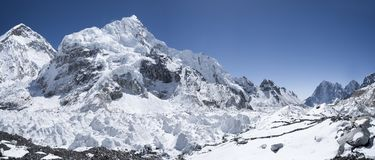 Secteur et vue de camp de base d'Everest sur Nuptse Photographie stock libre de droits