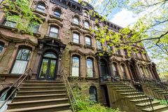 Secteur historique de rue de cour dans la place de Wooster à New Haven Images stock