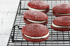 Secteurs rouges 2 de Whoopie de velours Photos stock