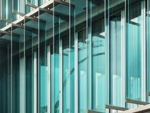 Sectie van een glasvoorgevel in Berlijn Royalty-vrije Stock Foto's