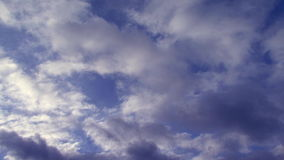 Secuencia del lapso de tiempo de nubes blancas morphing almacen de video