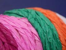 Secuencias de papel multicoloras imagen de archivo libre de regalías