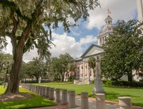 Blue Sky ehind White Clouds Over the State Capitol In Florida royalty free stock photos
