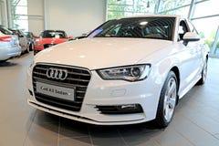 Sedán blanco de Audi A3 en la exhibición Imagenes de archivo