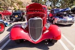 Sedán de Ford 40 del rojo 1933 Fotografía de archivo libre de regalías