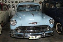 Sedán 1953 de la entrega de Chevrolet del coche del vintage Fotografía de archivo