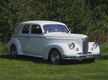 Sedan clássico restaurado da porta do branco dois Foto de Stock