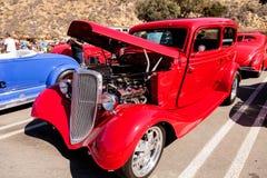 Sedan de Ford 40 do vermelho 1933 Foto de Stock Royalty Free