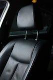 Sede di cuoio nera in un'automobile Fotografia Stock