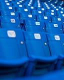 Sedi blu dello stadio fotografia stock libera da diritti