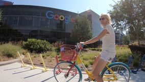 Sedi turistiche di Google di visita stock footage