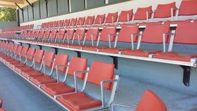 Sedi verdi dello stadio immagine stock