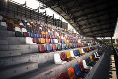 Sedi verdi dello stadio Immagini Stock
