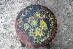 Sedia del cerchio antico, bollo di legno di colore per duck loto e foglia fotografia stock libera da diritti