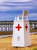 Sedia del supporto di Rescue del bagnino alla spiaggia della noce Fotografia Stock