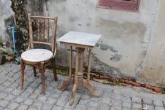 Sedia e Tabella Fotografia Stock Libera da Diritti