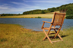 Sedia in lago anteriore Fotografia Stock