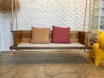 Sedia moderna dell'interno della casa in Tailandia Fotografie Stock Libere da Diritti
