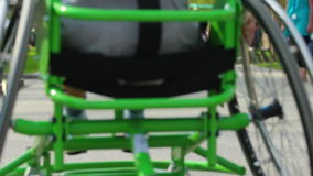 Sedia a rotelle archivi video
