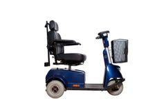 Sedia a rotelle motorizzata con il canestro per la gente eliminabile Immagini Stock Libere da Diritti
