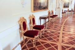 Sedie del palazzo di esposizione Immagini Stock Libere da Diritti