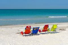 Sedie di spiaggia luminose di colore Immagine Stock Libera da Diritti