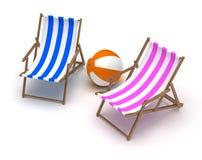 Sedie e beach ball di spiaggia Fotografia Stock