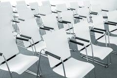 Sedie moderne dell'auditorium Fotografia Stock