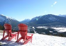 Sedie nella neve Fotografie Stock Libere da Diritti