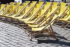 Sedie Pieghevoli Gialle : Immagini di riserva di sedie pieghevoli la sovranità di download
