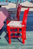 Sedie rosse vuote fotografie stock